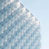 wizualizacja szklanego budynku
